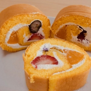 FRUITY SWISS ROLL
