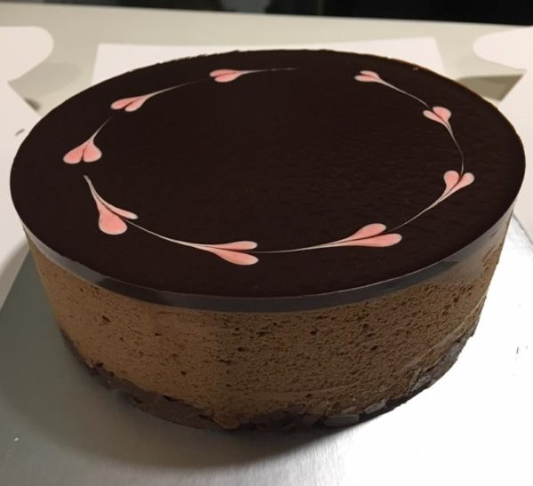 chocolate mousse with mirror glaze
