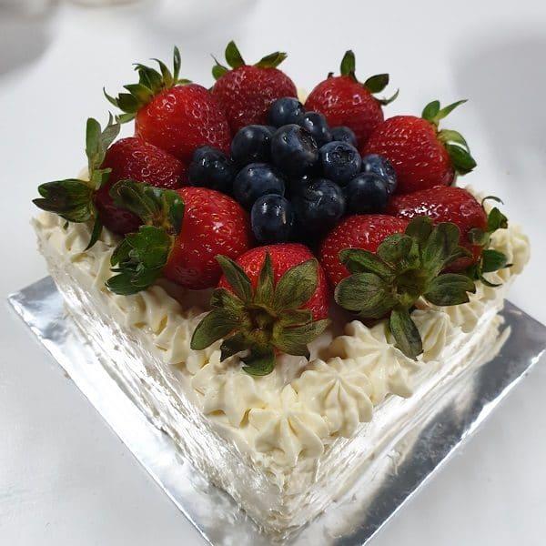 yolkless white cake